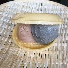 小倉と黒ゴマのアイス