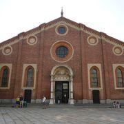 最後の晩餐は見ずにサンタ マリア デッレ グラツィエ教会を見学