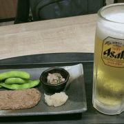 松山空港の2階こちらのお店でチョイ飲み