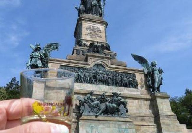 2018年5月 Rudesheim am Rhein リューデスハイム Niederwald-Denkmal ニーダーヴァルト記念碑♪
