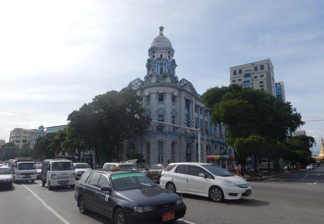 Myanmar Economic Bank Branch-3 (旧インド帝国銀行ビル)