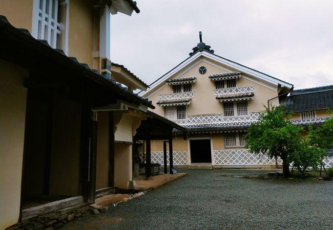 内子で一番の木蝋豪商だった芳我家の分家は、木蝋資料館として公開されています