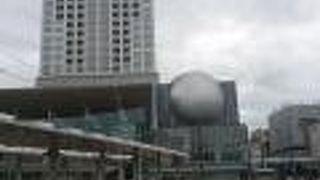 福井駅前の高層複合商業ビル