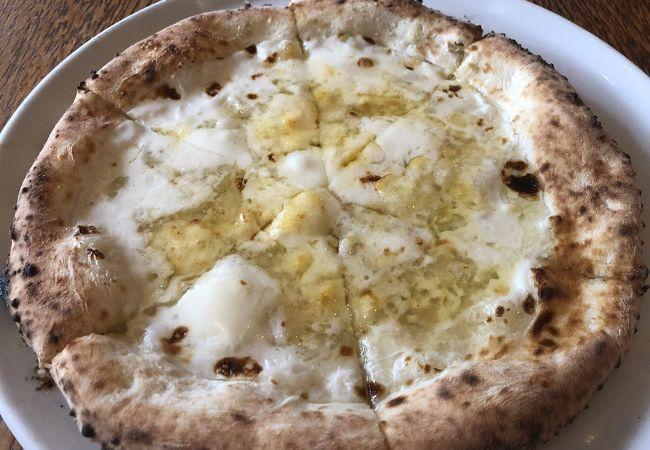 ピザ サルバトーレ