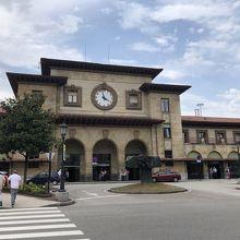 オビエド駅