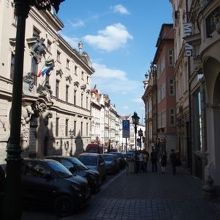 王の道のルートのひとつ、ネルドヴァ通り。