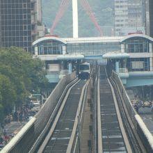 中山国中駅