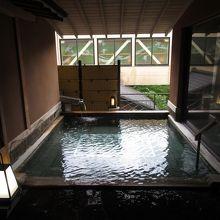 露天は、外に信玄公岩風呂(混浴)あり。