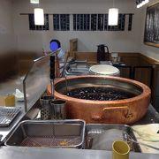 揚げたての天ぷらが人気
