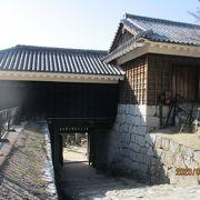 隠門の上に設けられた櫓