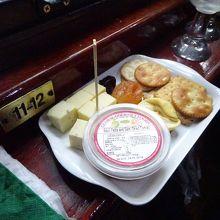 おつまみのチーズなど