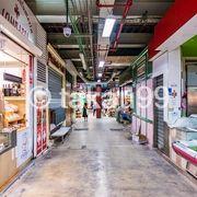 パスタを安く食べられる店やフィレンツェの伝統料理のランプレドットを安く食べられる店があります。