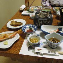 夕食・焼き魚、煮魚、浜鍋など