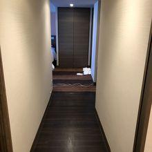部屋の中の廊下です。