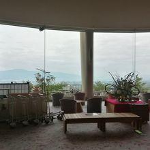フロントからの松本平の景色