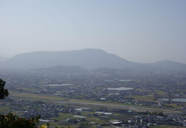 讃岐富士から見た象頭山