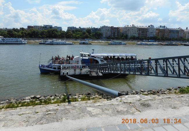 国内航路の船着場