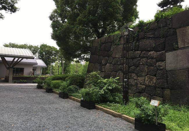 重厚感な石垣