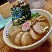 落語好きな店主が作る関東風醤油ラーメン。