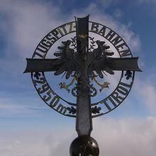 標高2,962m、ドイツ最高峰ツークシュピッツェ山