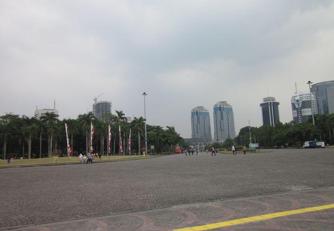 ムルデカ広場