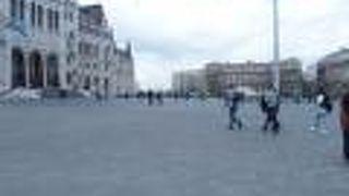 コシュート ラヨシュ広場