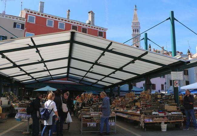 ヴァルディボラ市場