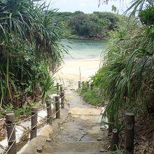 星砂の浜への入り口です。