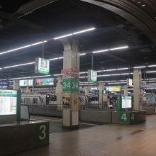 大きなターミナルのなんば駅