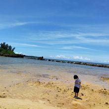 ベストウェスタン沖縄恩納前のビーチ