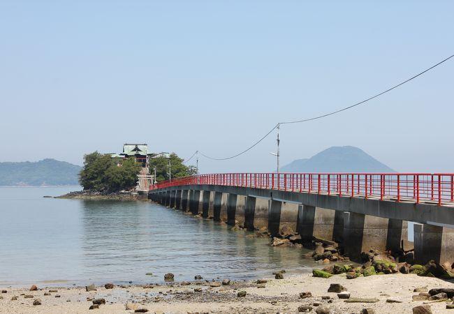 瀬戸内海に浮かぶ神社