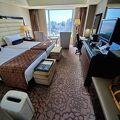 洗練された部屋、接客、ラウンジ