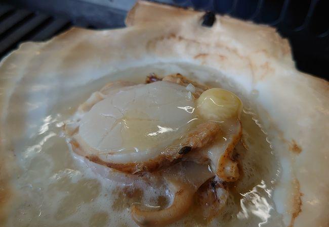 ホタテのバター焼きを堪能