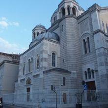 至聖三者聖スピリドン セルビア正教会聖堂