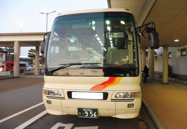 空港発 福井駅行きに乗車