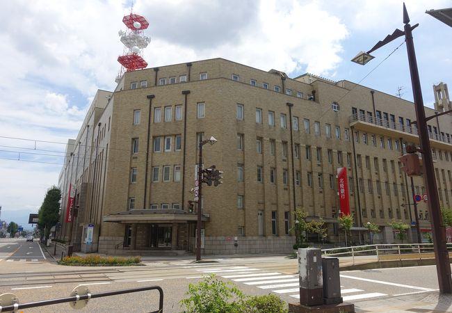 戦前からの歴史あるビル