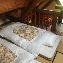 ベッドではなくお布団でした