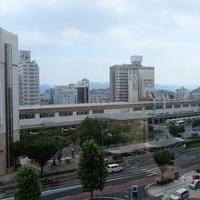 窓からは松江駅