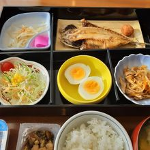 和食朝食は焼き魚好きの方にお勧め。