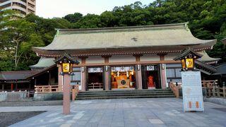 城山の下にある鹿児島市内で一番参拝客の多い神社の御祭神は島津斉彬