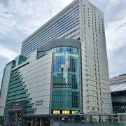 JR大阪駅直結の便利な百貨店