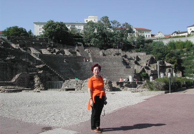 リヨンはローマ帝国の重要な都市でした。今もローマン劇場の遺跡があります