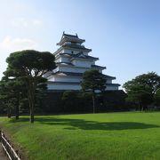再建された城ではあるものの、やはり美しい天守閣は魅力