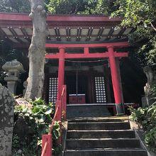 新宿稲荷神社