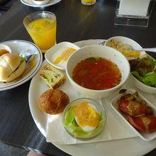 朝食は館内のイタリアンレストランで