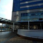 品川駅隣接商業施設