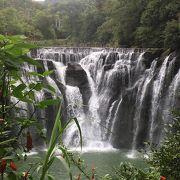 迫力満点の滝