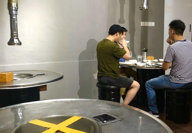 7階の若者向け食べ放題の韓国焼肉K. Cook Korean BBQ Buffet