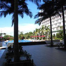 ホテルマハイナリゾート沖縄ホテルプール