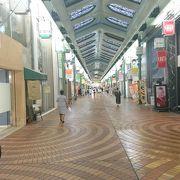 岡山市中心部のアーケード商店街